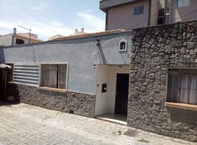 Casa em Curitiba- Lamenha Lins (Cód. 108)