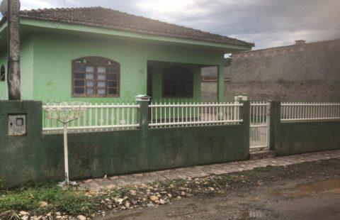 Casa próximo prolongamento da Rua Xv em Morretes (Cód.139)